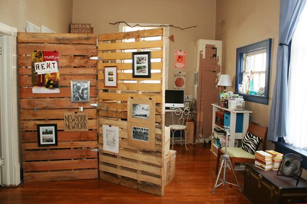 Wood Pallet Room Divider (3/3)